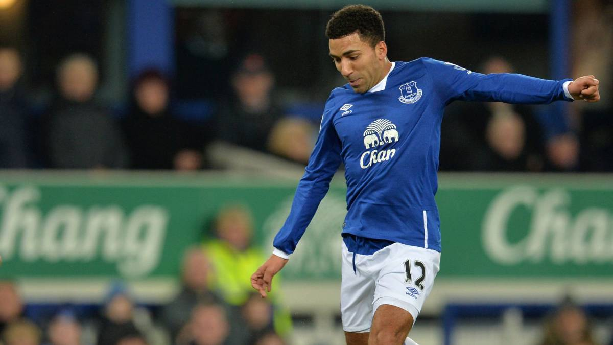 "Everton's Lennon receiving treatment for ""stress-related illness"""