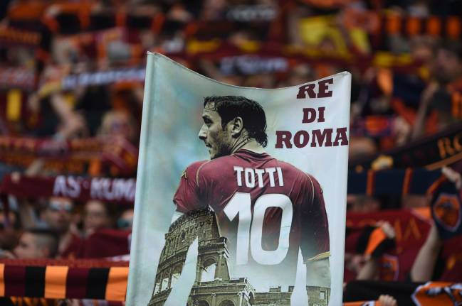Monchi, the new Sporting Director at the Italian club, confirmed that Totti will retire at the end of this season, and take a position as a club director.