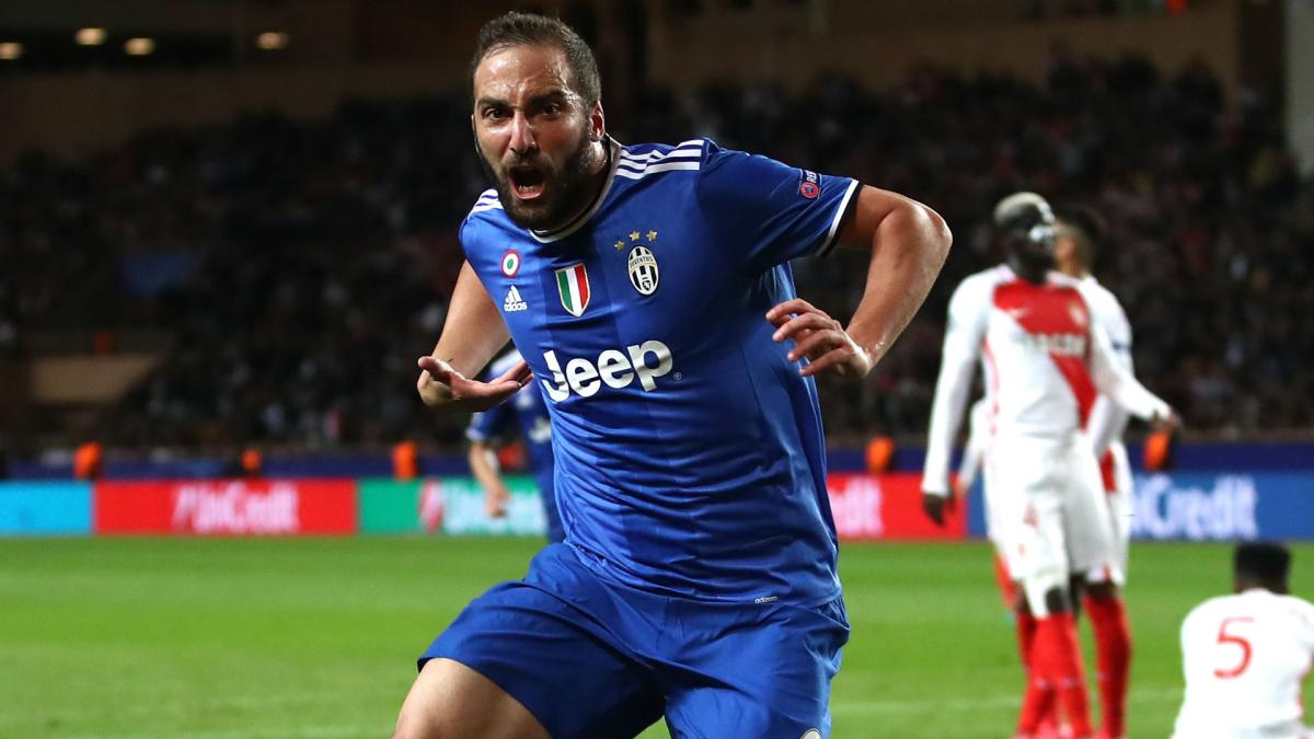 Higuain not measuring himself against Ronaldo