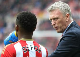 Moyes wants to stay at Sunderland but flags likely Defoe departure