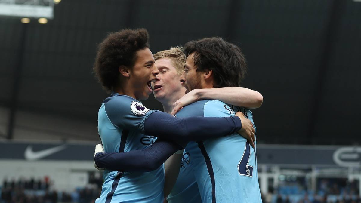 City thrash Palace to tighten grip on top four finish