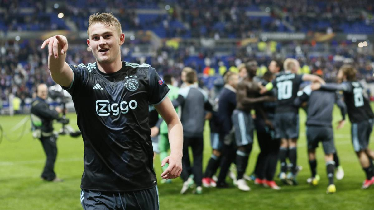 Ajax survived a valiant Lyon challenge to progress to the Europa League final. Dolberg opened the scoring, before Lacazette (2) and Ghezzal netted for Lyon.
