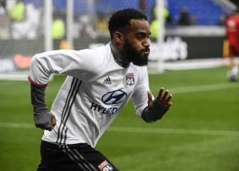 Lyon v Ajax team news: Lacazette starts for hosts