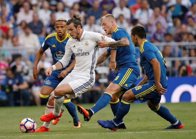 Gareth Bale is best at left-back, says Toshack