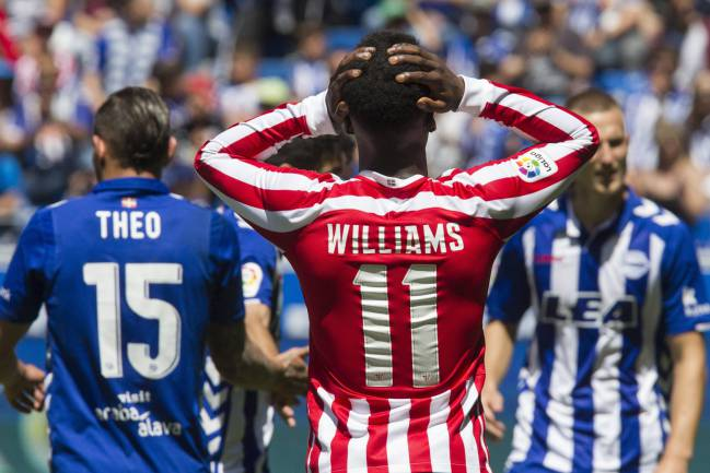 Athletic Bilbao's Williams is a doubt for the final LaLiga match at the Vicente Calderón, after picking up a knee injury in the draw against Leganés.
