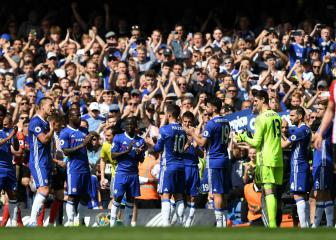 Terry receives Chelsea guard of honour as says goodbye