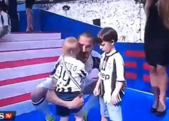 Bonucci's son sulks reluctantly wearing Juve colours