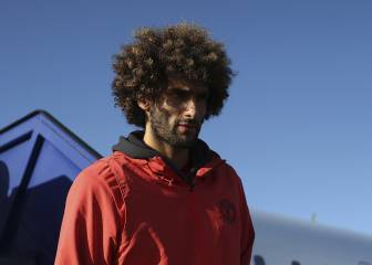 Ajax v Manchester United team news: Fellaini and Mata start