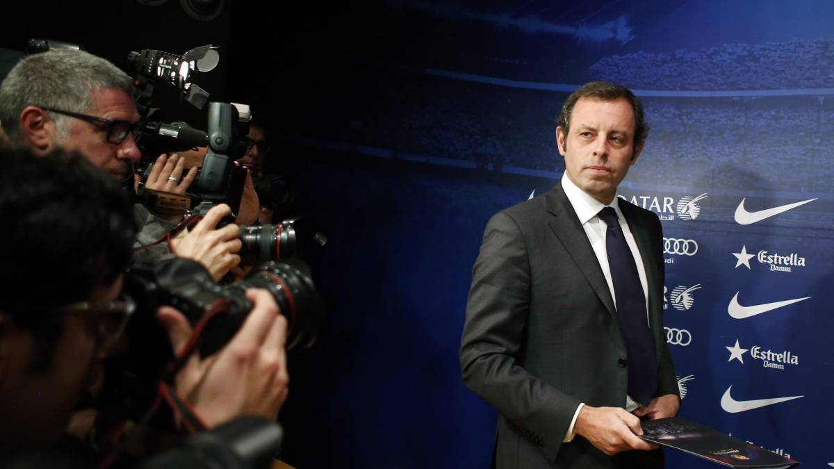Prosecutors request prison without bail for ex-Barcelona president Sandro Rosell