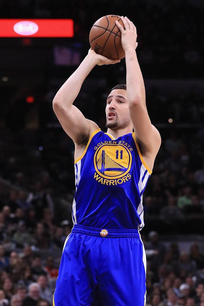 Klay Thompson of the Golden State Warriors shoots the ball in the first half against the San Antonio Spurs