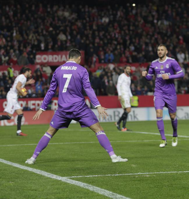 Goal scoring stance | Cristiano at it again.