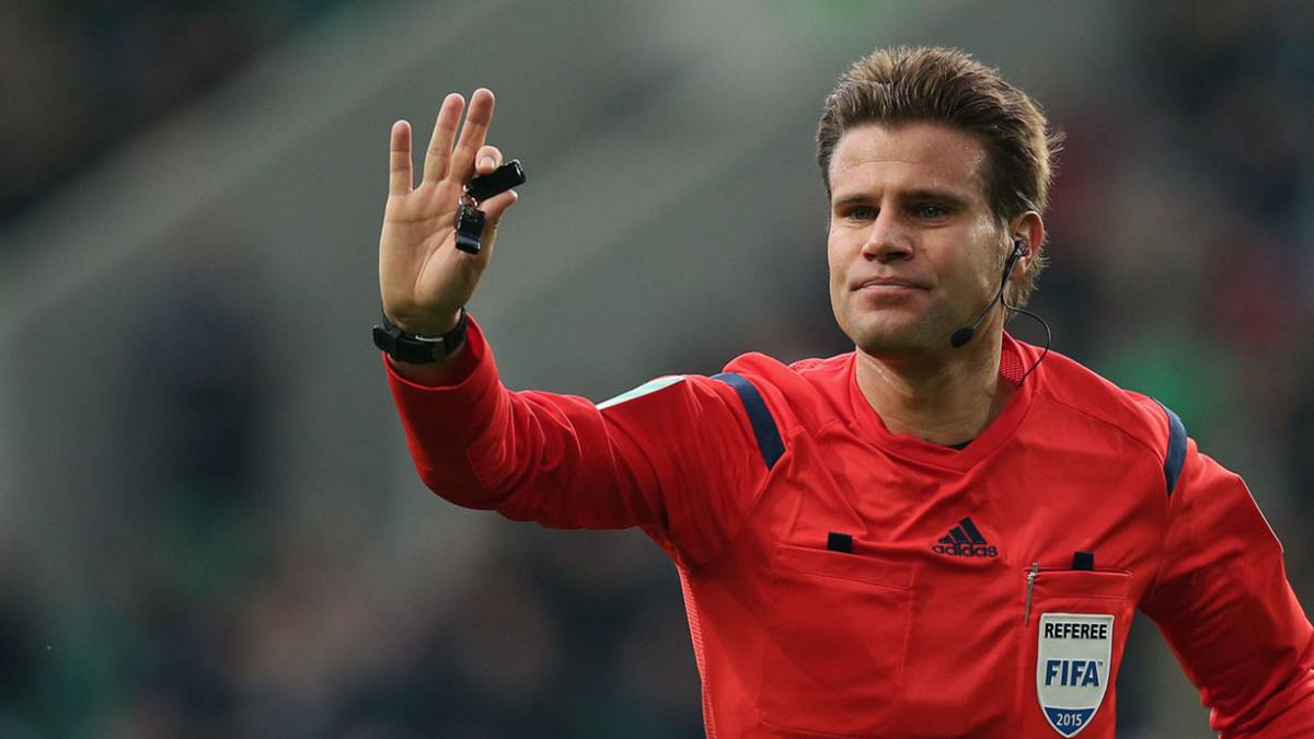 "UCL final ref, Brych: ""It's vital to connect with the 22 players"""