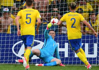 Pickford penalty save salvages a draw for England
