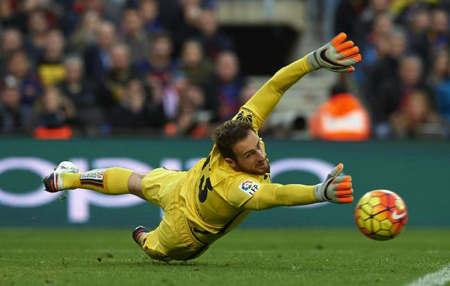 Paris Saint Germain are being persistent in their pursuit of Atlético's Slovenian goalkeeper Jan Oblak, having already seen a €75m bid rejected.