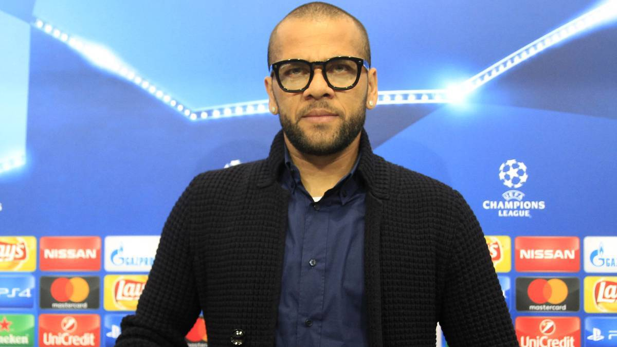 Alves and Juventus ready to rip up contract as Premier League move looks likely