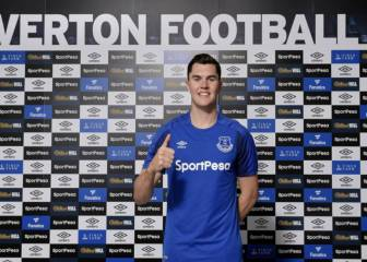 Everton sign England defender Michael Keane from Burnley