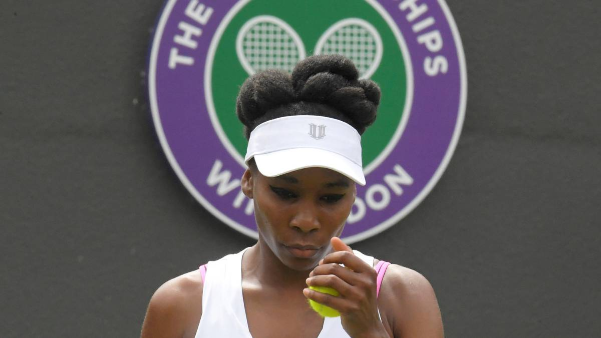 Emotional Venus breaks down after first round win