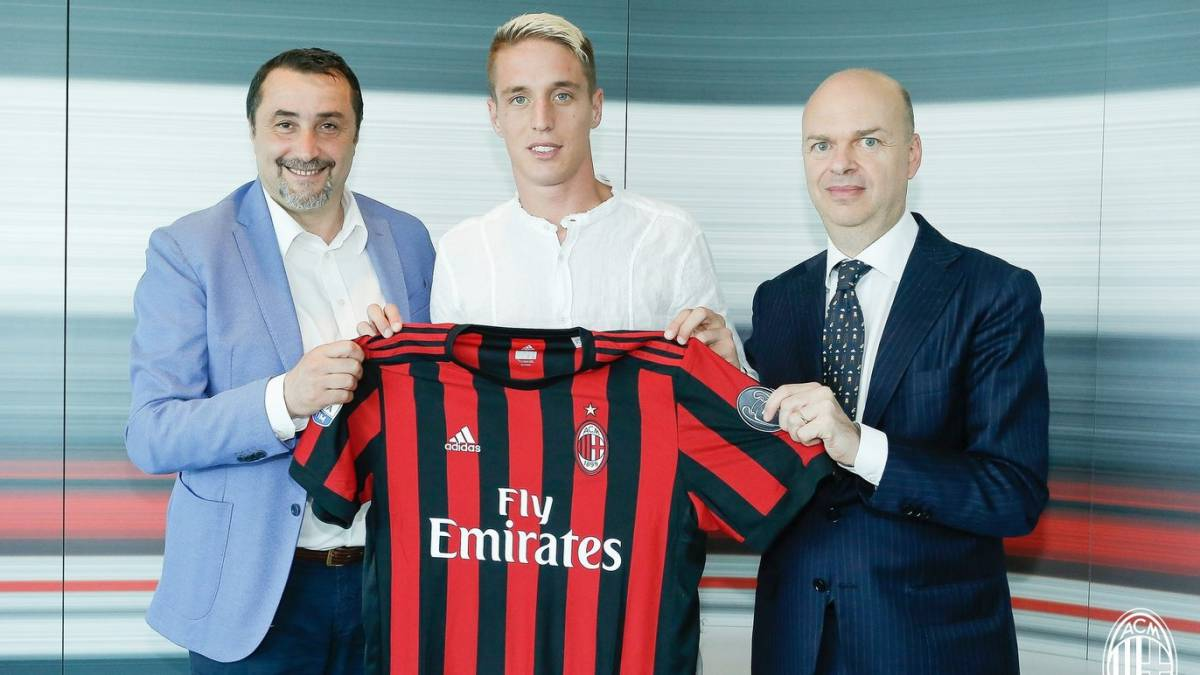 AC Milan continue spending spree with Conti capture