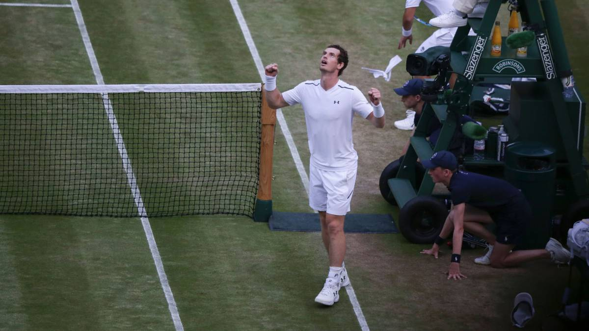 Andy Murray and Venus Williams scrape through to the Last 16