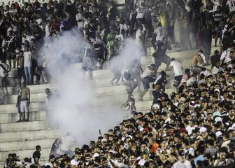 Fan shot dead in Rio derby riot