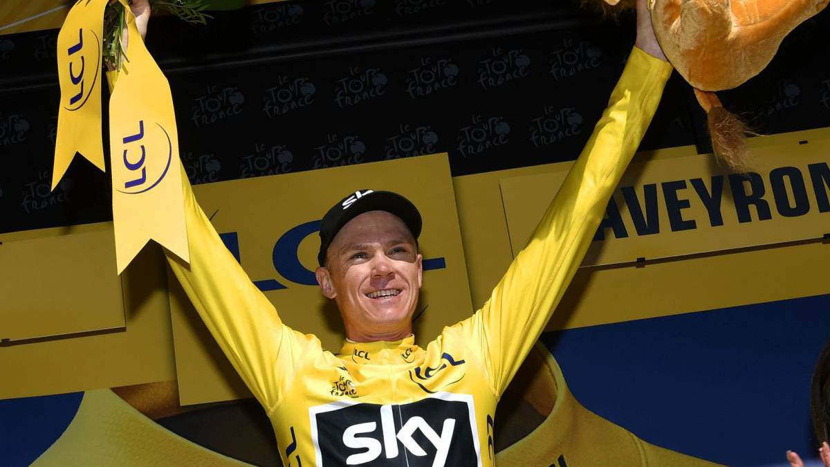 Froome leads Tour as Matthews claims 14th stage