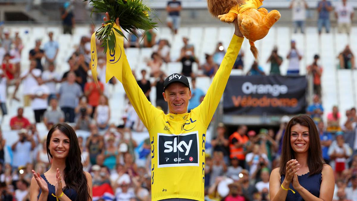 Chris Froome of Great Britain and Team Sky celebrates in the yellow jersey following stage twenty of Le Tour de France 2017