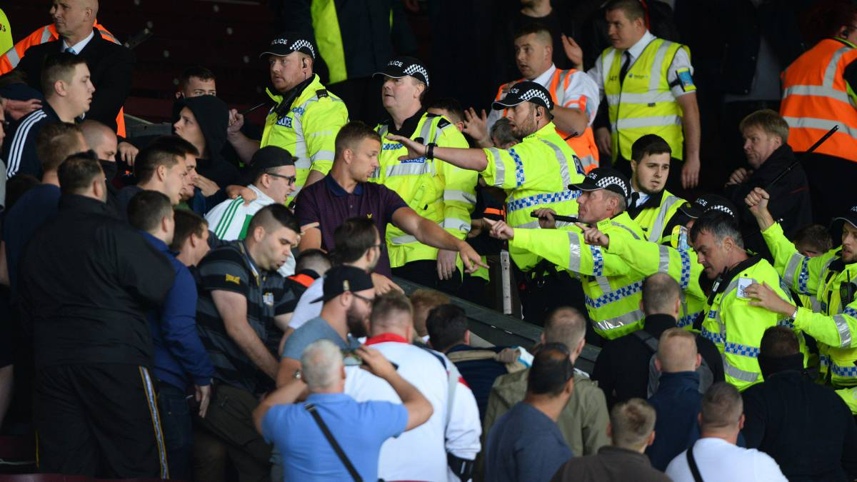Burnley-Hannover abandoned after crowd trouble