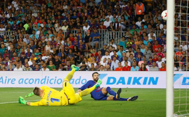 Cristiano Ronaldo was the protagonist of a Clásico that flashed in to life in the second half, as he scored and was sent off. Messi, Asensio, and Piqué (og) scored.