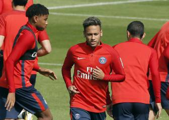 "Neymar ""fit to play full 90 minutes"" on PSG debut - Emery"