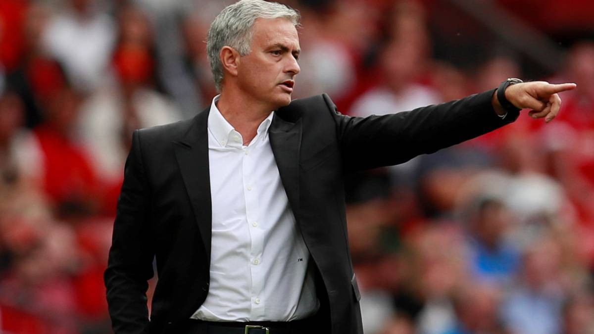Mourinho backs earlier end to summer transfer window