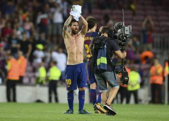 Barcelona cruise to a winning start over unadventurous Betis