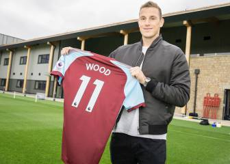 Burnley break club record luring Chris Wood from Leeds