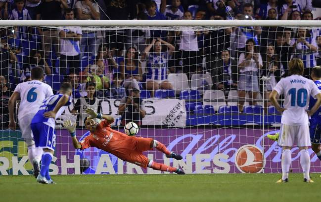 Keylor Navas | The Costa Rican 'keeper emerged victorious in a personal battle with Deportivo's Florin Andone at Riazor, securing a clean sheet for Madrid.