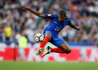 Mbappé off the mark as France waltz past blunt Netherlands