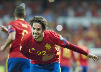 Isco shines the brightest as Spain thrash Italy