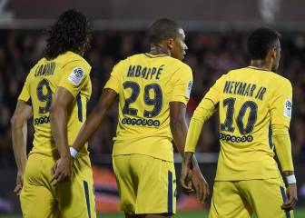 Red card decision turns tide as PSG put five past Metz