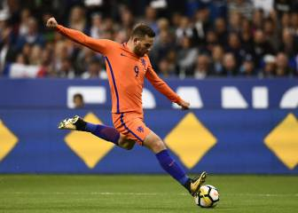 Fenerbahçe take Vincent Janssen off Spurs' hands