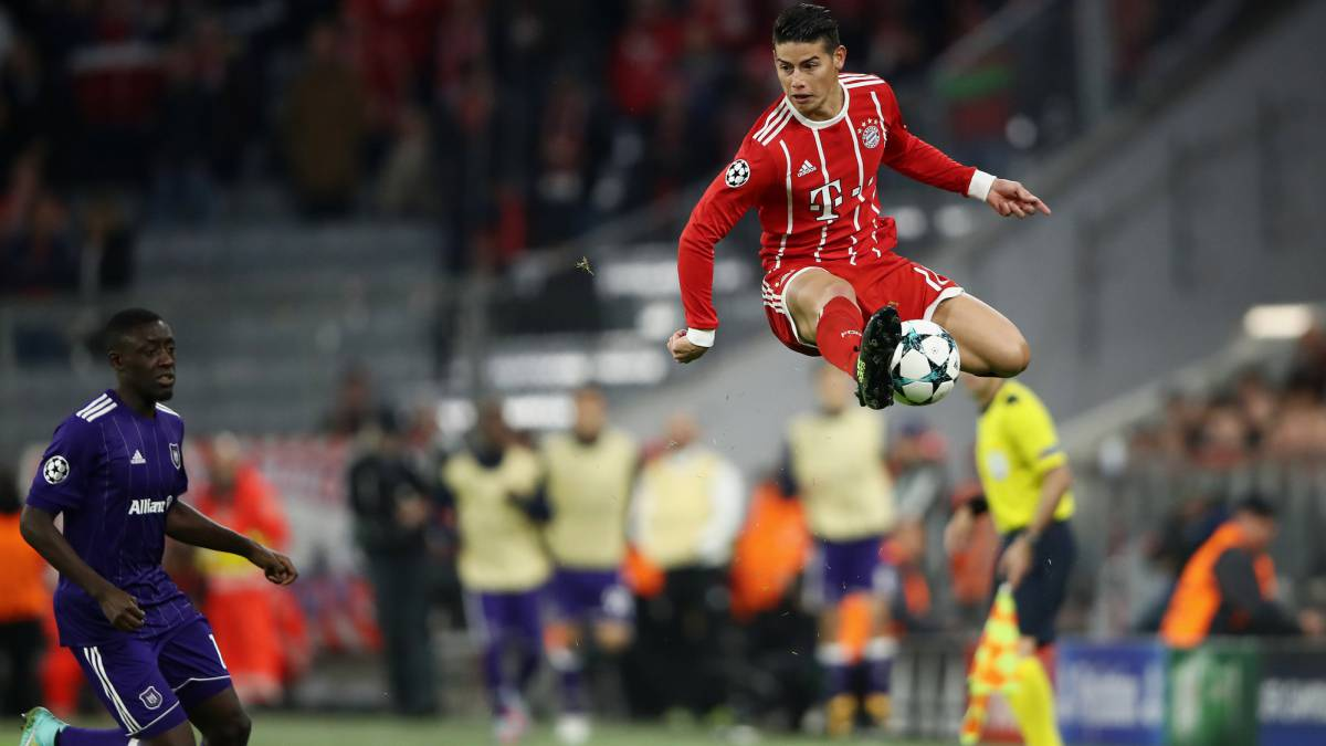 James flies for Bayern Munich