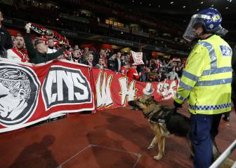 Crowd 'disorder' as Arsenal-Cologne kick-off delayed