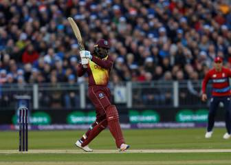 Chris Gayle makes history with a century of sixes in T20 format