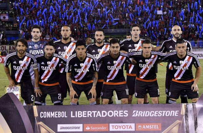 Modern side | Argentina's River Plate players pose for pictures before the start of their Copa Libertadores football match against Bolivia's Wilstermann on September 14, 2017.