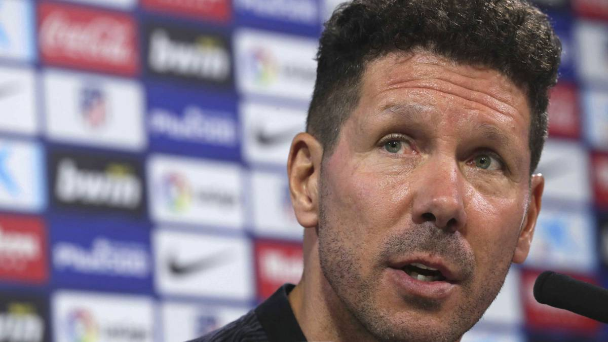 "Simeone: ""I still haven't been told that Diego Costa's back with us"""