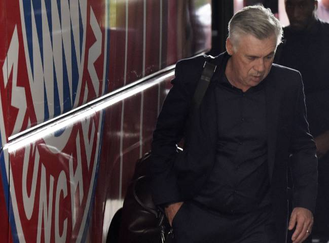 The Bayern Munich president told Sport1 that Carlo Ancelotti faced unrest in the dressing room, while Karl-Heinz Rummenigge said performances were unacceptable.