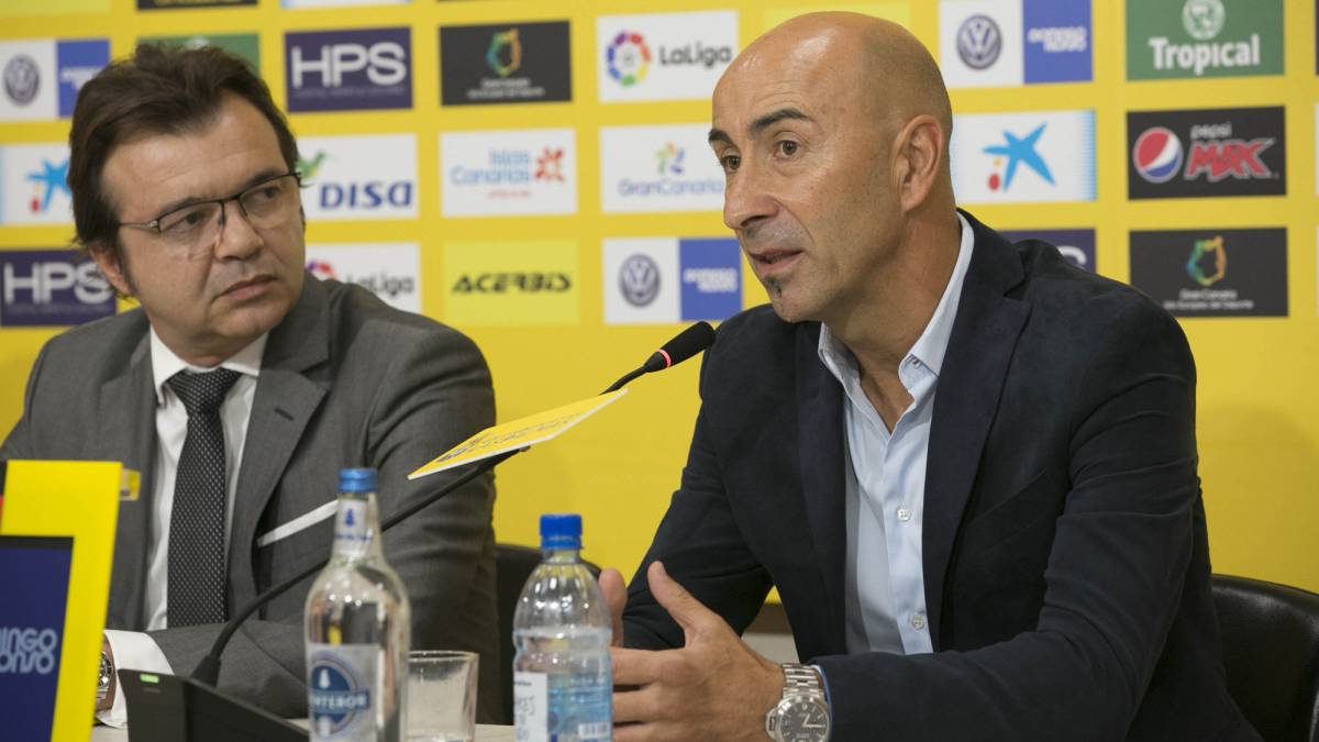 "Las Palmas boss Pako Ayesterán: ""I hope we're up to the task and able to guide the club to safety"""
