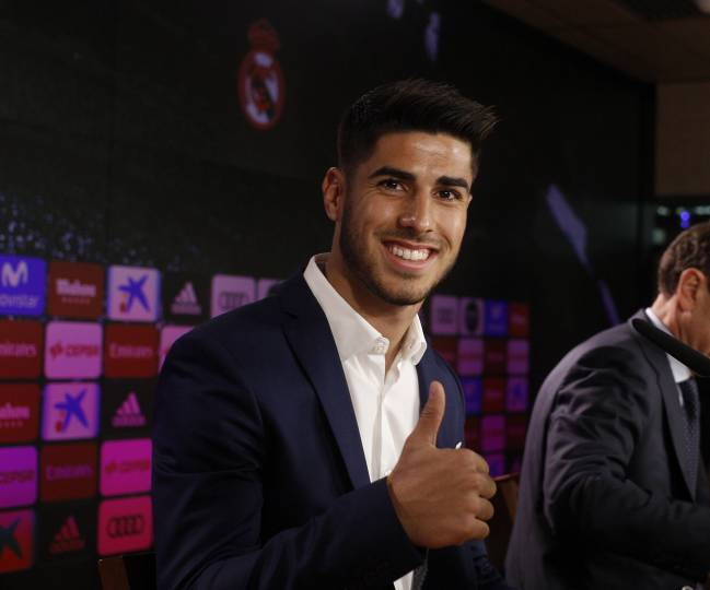 Marco Asensio | The 21-year-old spoke after renewing his Real Madrid contract until 2023, and insisted that he is not thinking about the Ballon D'Or.