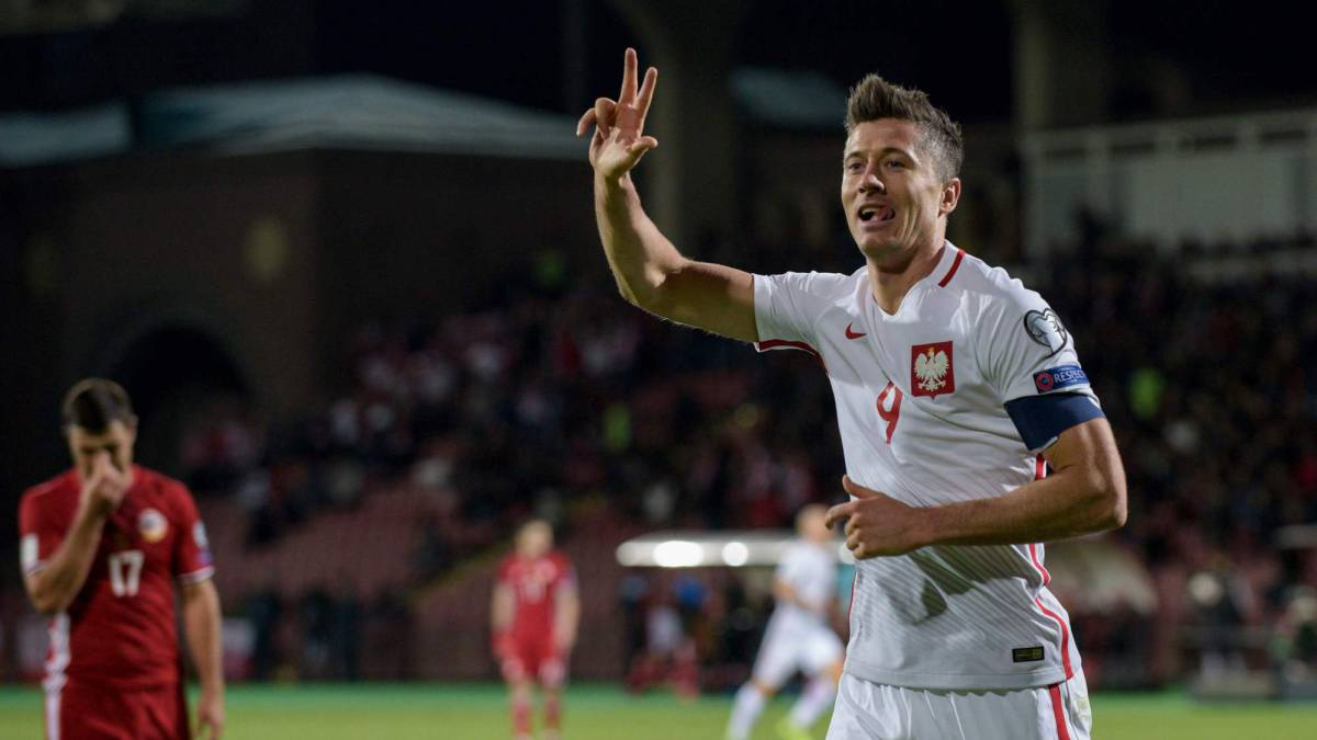 Lewandowski becomes Poland's record scorer in Armenia rout