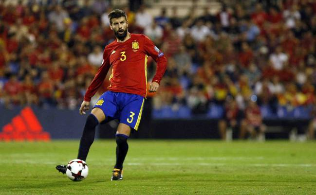 Spain qualified for the 2018 World Cup in Russia with a 3-0 win over Albania. Isco, David Silva, and new-boys Rodrigo and Odriozola impressed Alfredo Relaño.