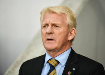 Strachan quits Scotland post, Moyes in line to succeed him