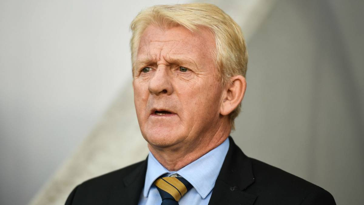 Strachan quits Scotland post, Moyes favourite to succeed him