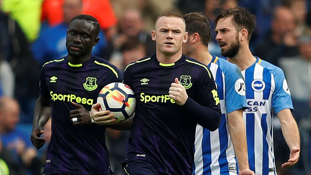Rooney rides to Everton's rescue